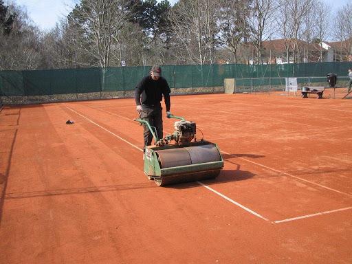 Så er tennisbanerne åbne, men…